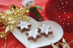 お菓子で手作りオーナメント!夢のようなクリスマスツリー