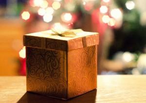 彼氏へのクリスマスプレゼント特集!予算・年代・アイテム別まとめ